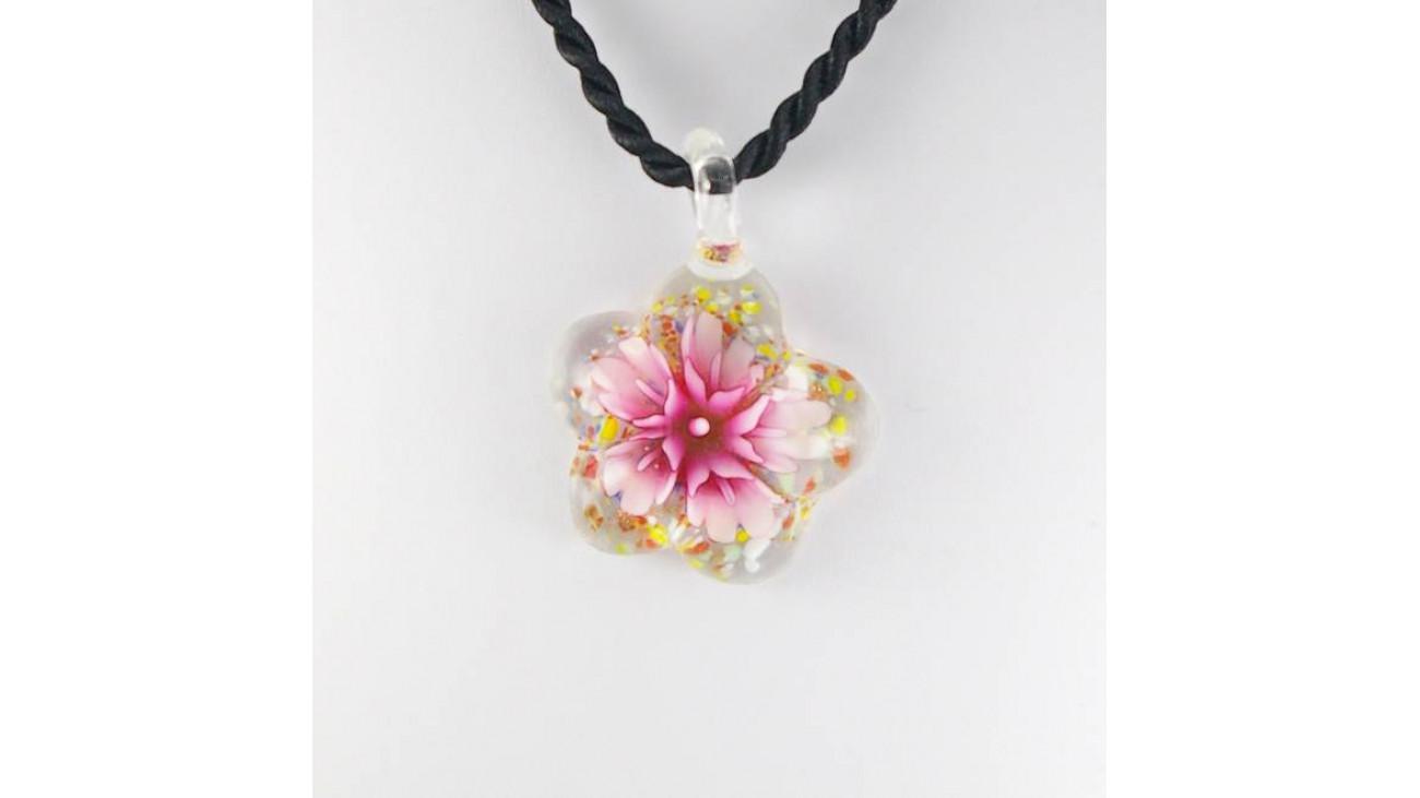 collier pendentif fleur rose cordon tresse. Black Bedroom Furniture Sets. Home Design Ideas